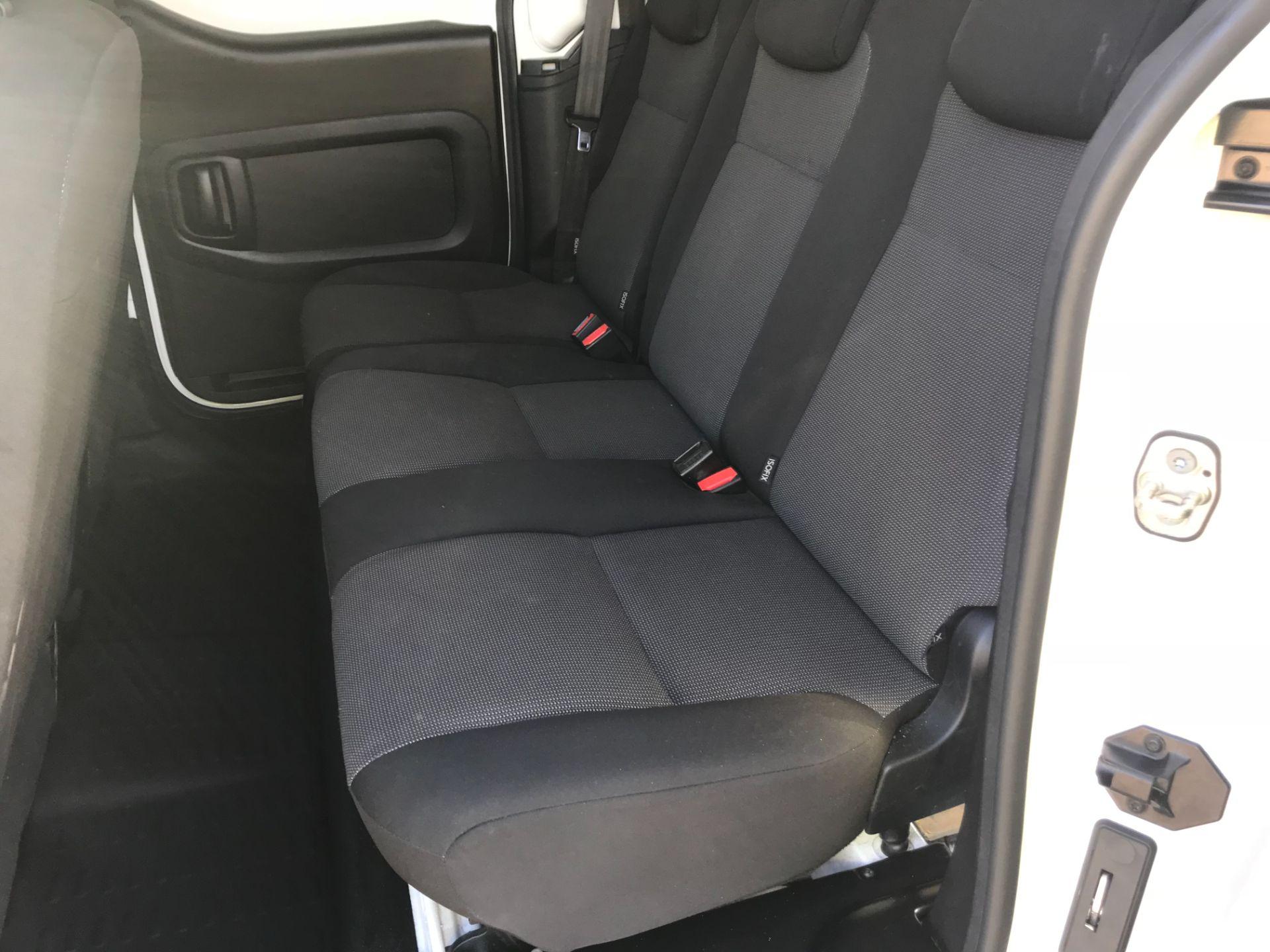 2017 Peugeot Partner 715 S 1.6 Bluehdi 100 Crew Van (NV17DVJ) Image 12