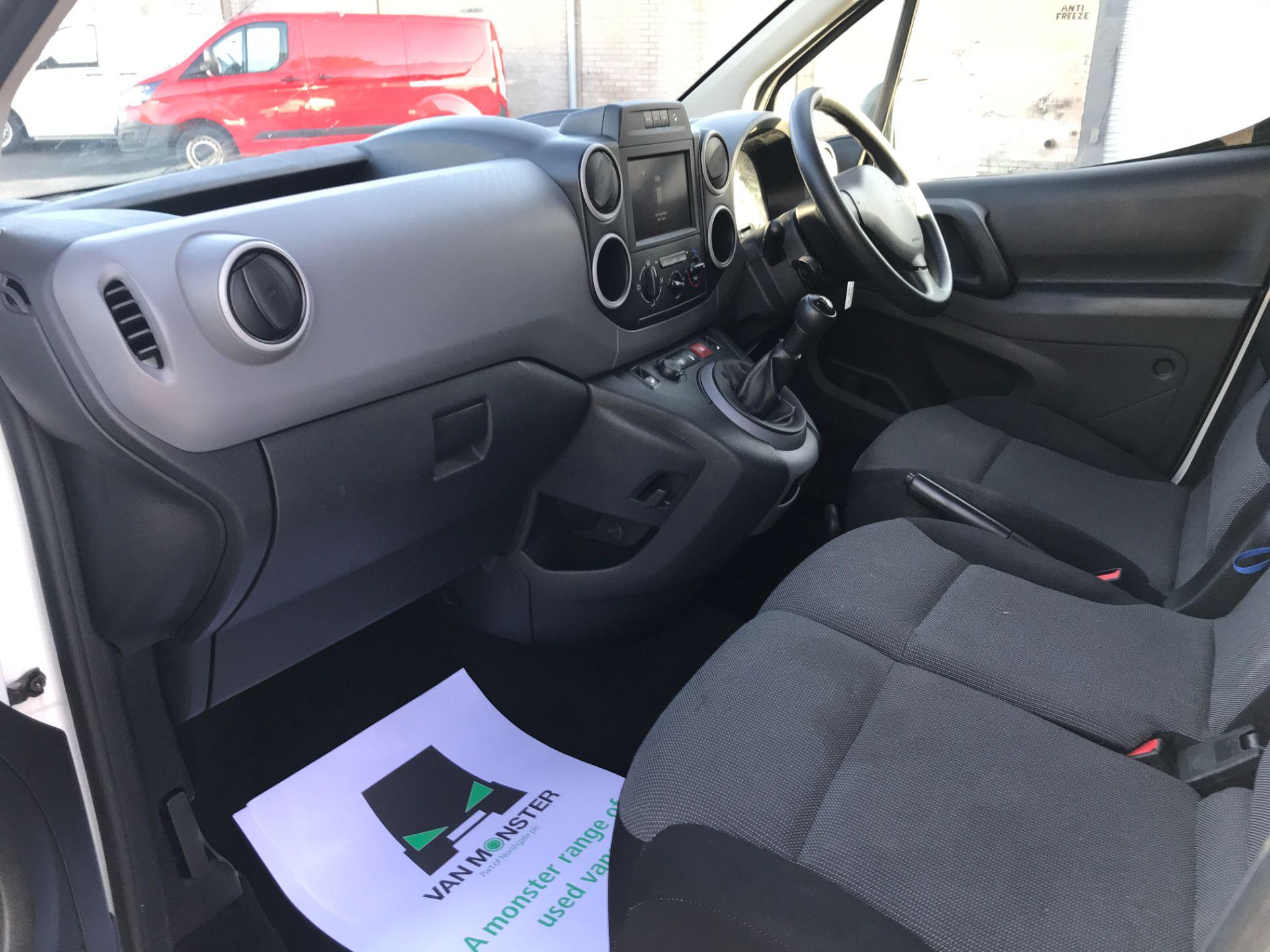 2017 Peugeot Partner L1 850 1.6BLUEHDI 100PS PROFESSIONAL EURO 6 (NV17DVK) Image 12