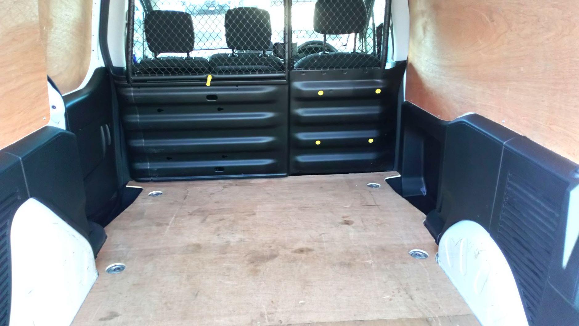 2017 Peugeot Partner 850 1.6 Bluehdi 100 Professional Van [Non Ss] (NV17DVW) Image 10