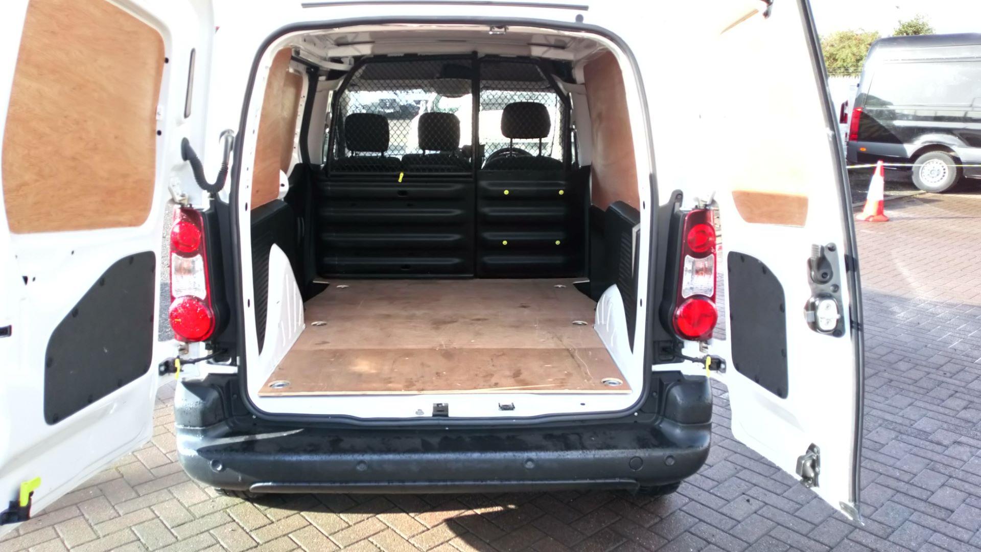 2017 Peugeot Partner 850 1.6 Bluehdi 100 Professional Van [Non Ss] (NV17DVW) Image 9