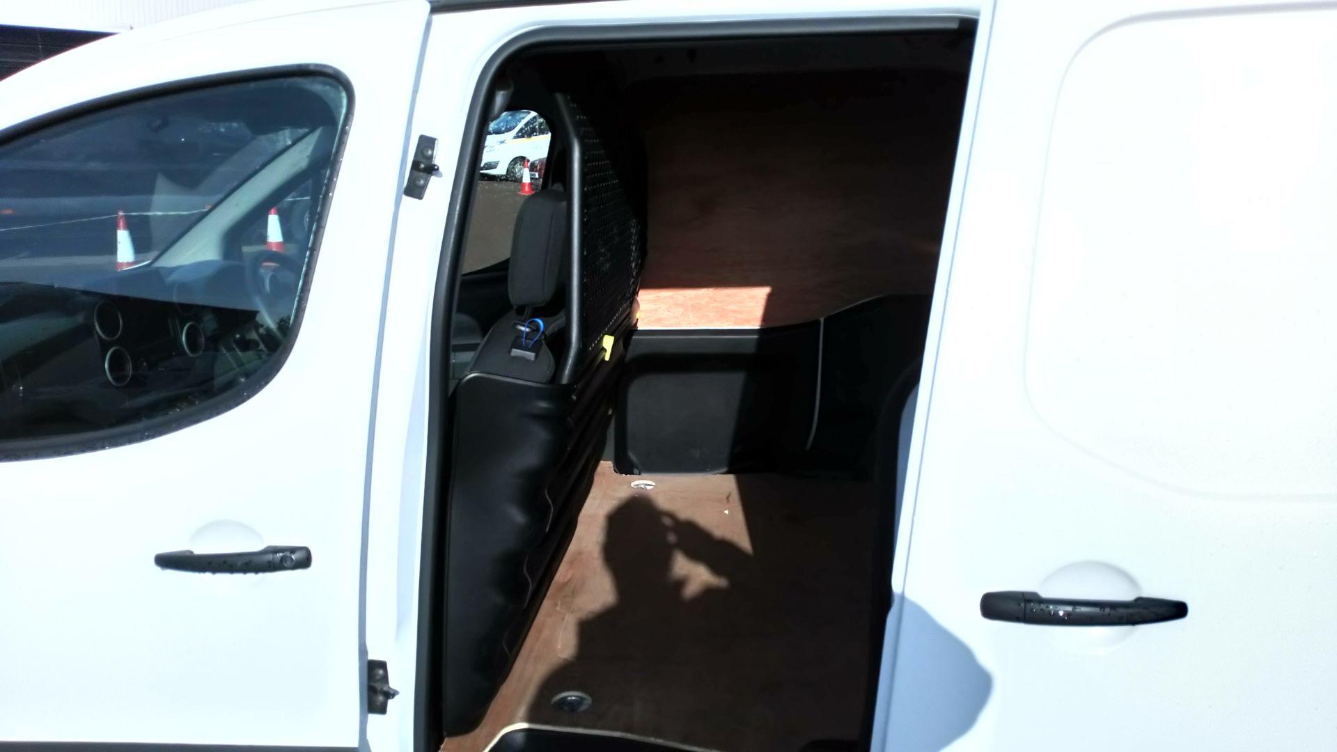 2017 Peugeot Partner 850 1.6 Bluehdi 100 Professional Van [Non Ss] (NV17DVW) Image 12