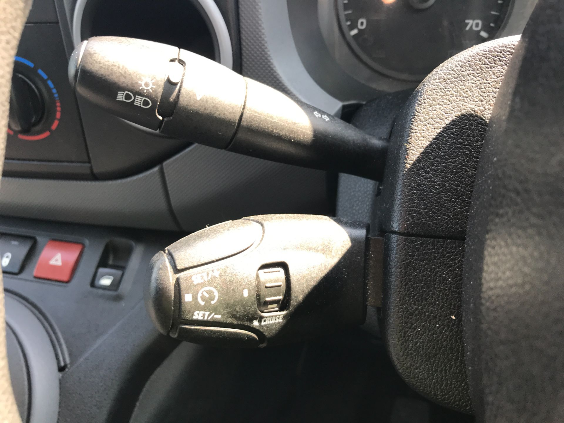 2017 Peugeot Partner L1 850 1.6BLUEHDI 100PS PROFESSIONAL EURO 6 (NV17DVY) Image 25