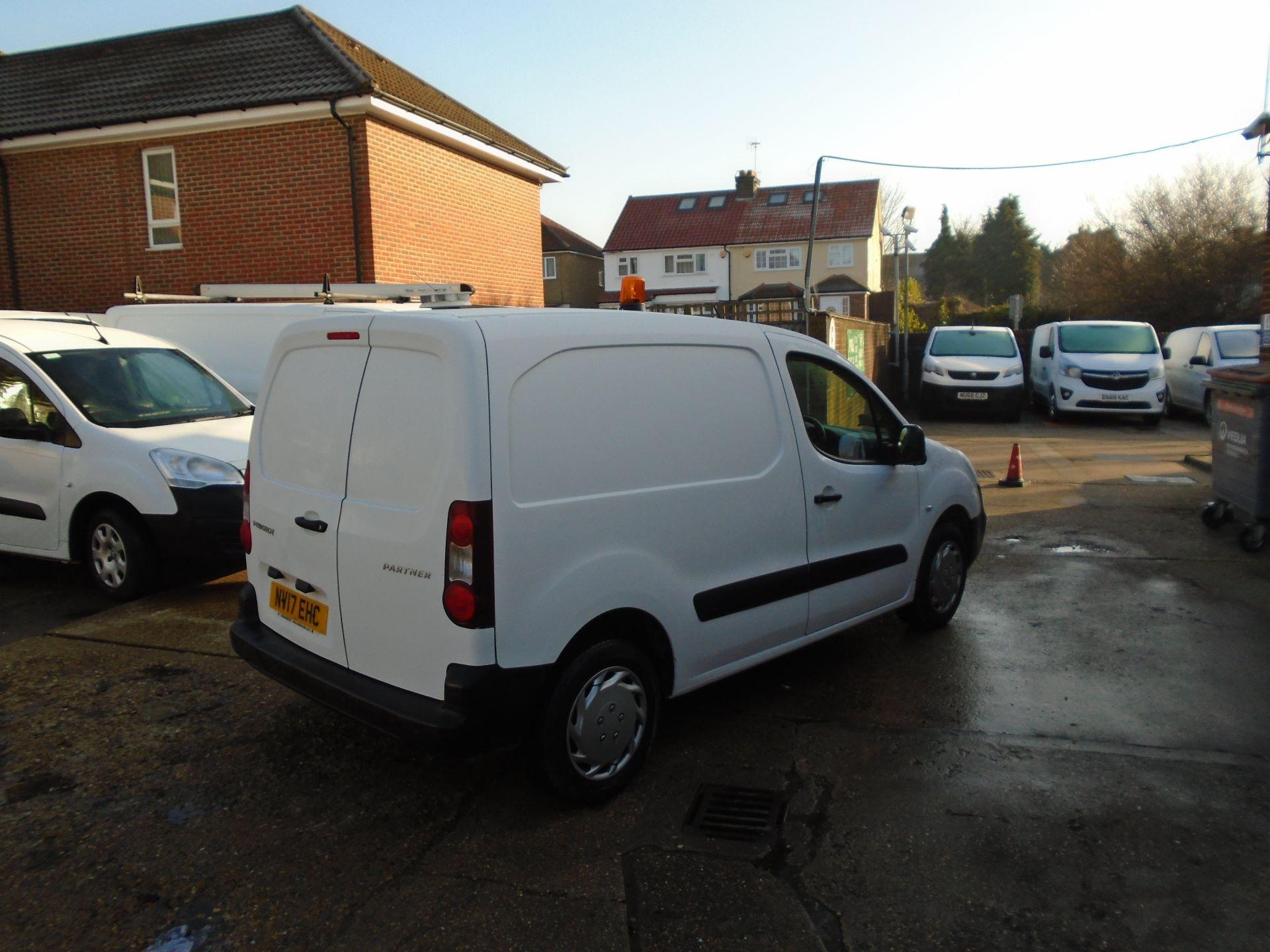2017 Peugeot Partner 850 1.6 Bluehdi 100 Professional Van [Non Ss] (NV17EHC) Image 4