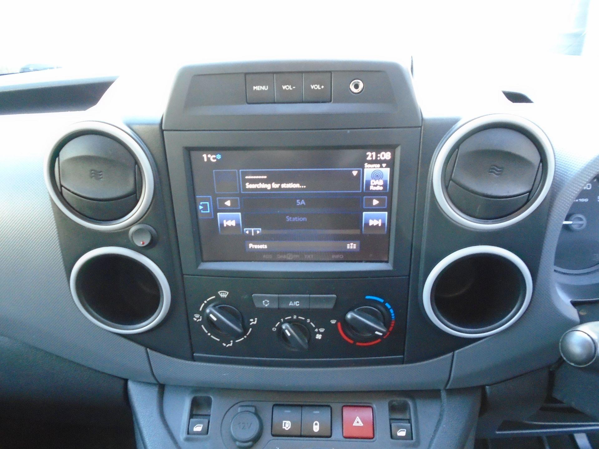 2017 Peugeot Partner 850 1.6 Bluehdi 100 Professional Van [Non Ss] (NV17EHC) Image 16