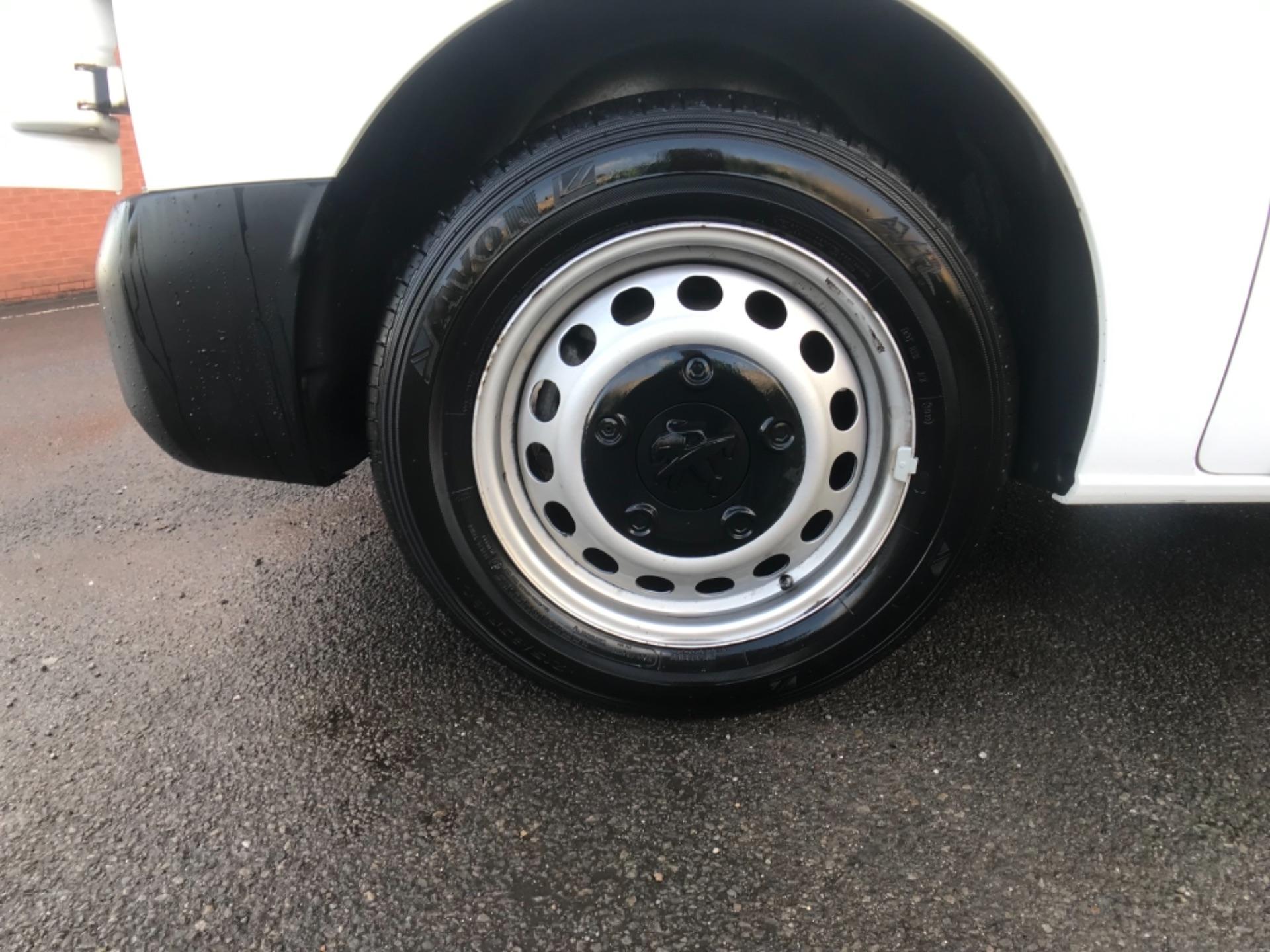2017 Peugeot Expert 1000 1.6 Bluehdi 95 S Van  STANDARD 1000 1.6 BLUEHDI 95 S EURO 6 (NV17EHS) Image 25
