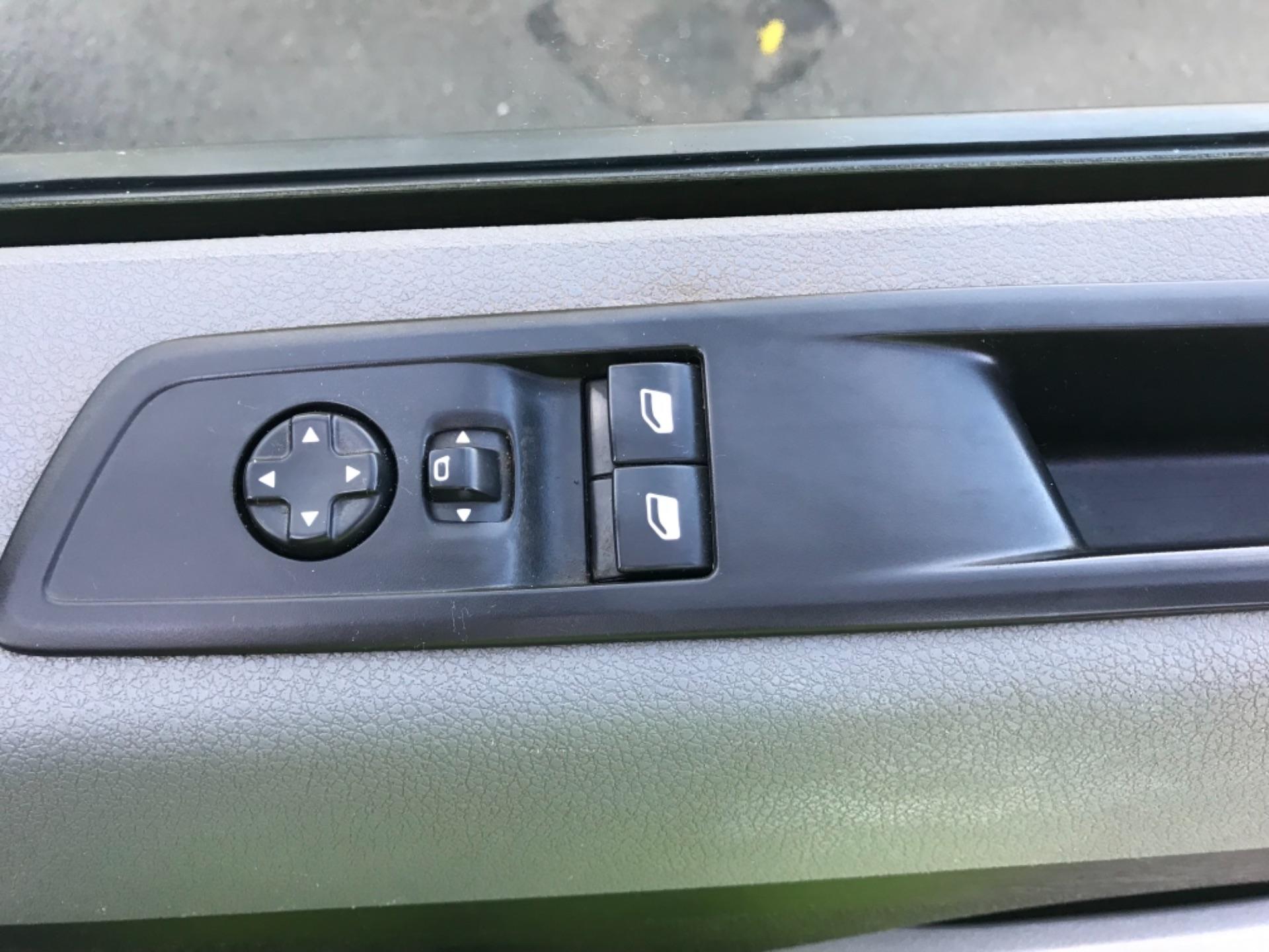 2017 Peugeot Expert 1000 1.6 Bluehdi 95 S Van  STANDARD 1000 1.6 BLUEHDI 95 S EURO 6 (NV17EHS) Image 19