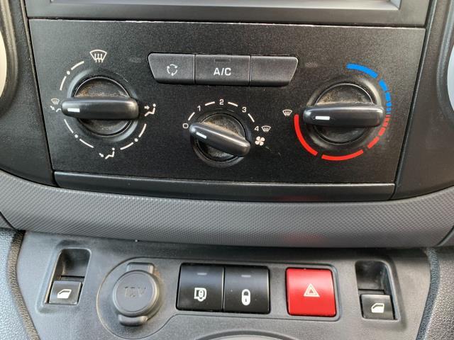 2017 Peugeot Partner 850 1.6 Bluehdi 100 Professional Van [Non Ss] (NV17EZA) Image 17