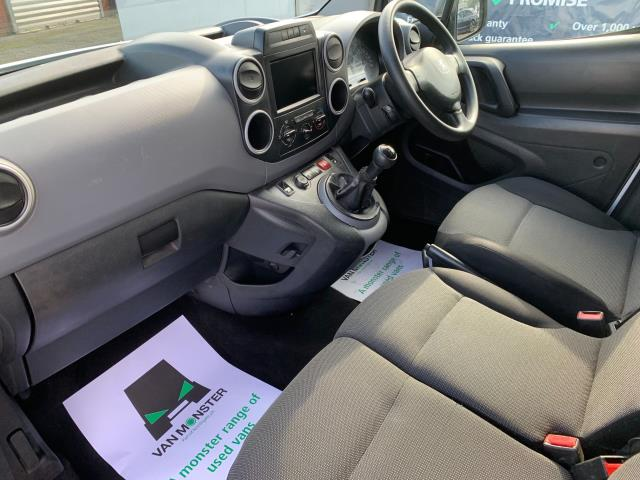 2017 Peugeot Partner 850 1.6 Bluehdi 100 Professional Van [Non Ss] (NV17EZA) Image 4