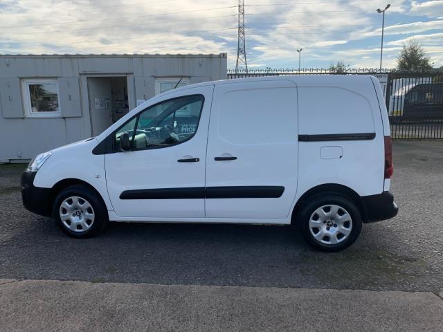 2017 Peugeot Partner 850 1.6 Bluehdi 100 Professional Van [Non Ss] (NV17EZA) Image 7