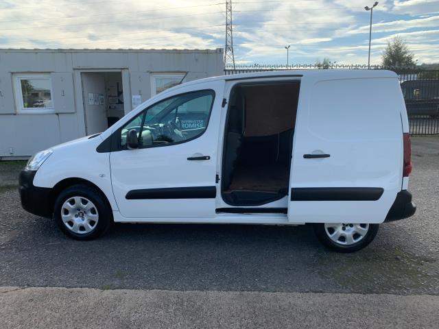 2017 Peugeot Partner 850 1.6 Bluehdi 100 Professional Van [Non Ss] (NV17EZA) Image 6