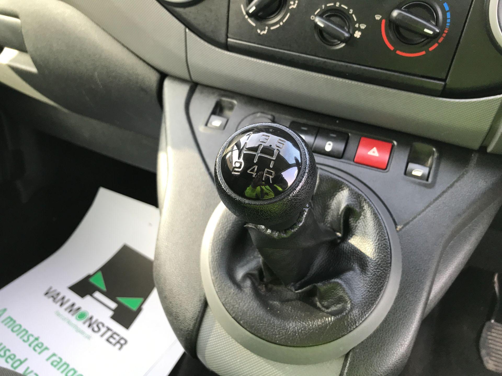 2017 Peugeot Partner L1 850 1.6BLUEHDI 100PS PROFESSIONAL EURO 6 (NV17EZK) Image 4
