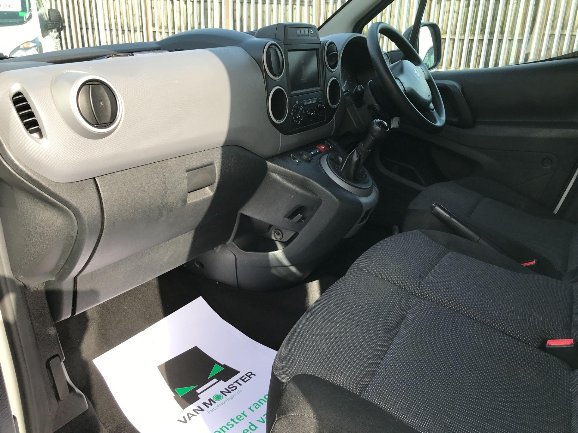 2017 Peugeot Partner L1 850 1.6BLUEHDI 100PS PROFESSIONAL EURO 6 (NV17EZK) Image 12