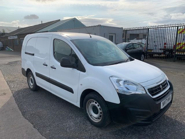 2017 Peugeot Partner L2 715 S 1.6 BLUE HDI 100 CREW VAN EURO 6 * SPEED RESTRICTED TO 70MPH * (NV17HHX) Image 1