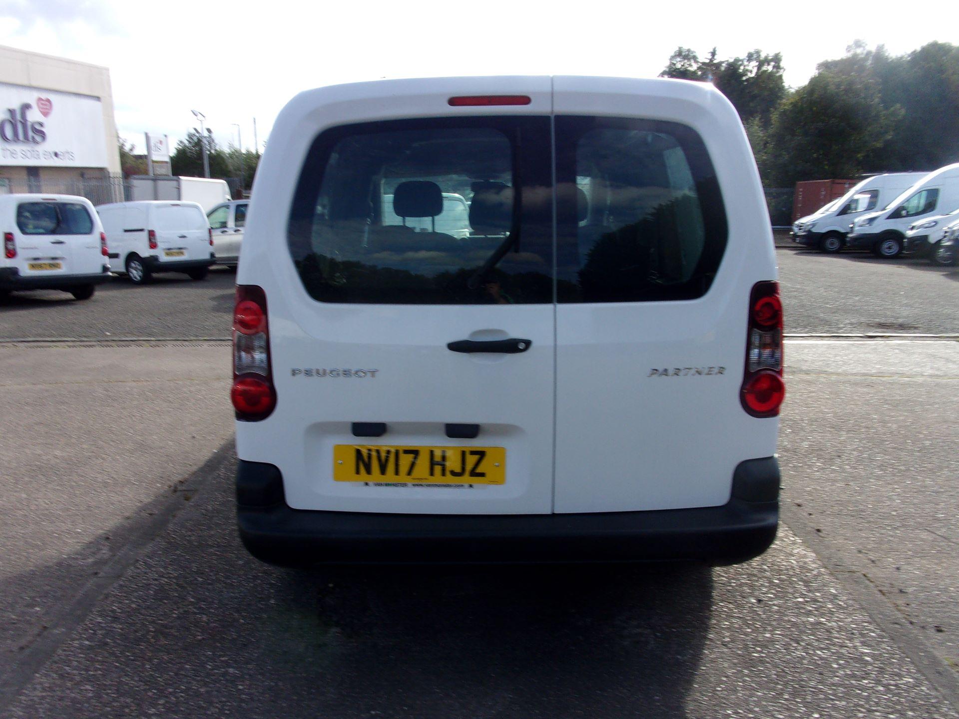 2017 Peugeot Partner 715 S 1.6 Bluehdi 100 Crew Van (NV17HJZ) Image 11