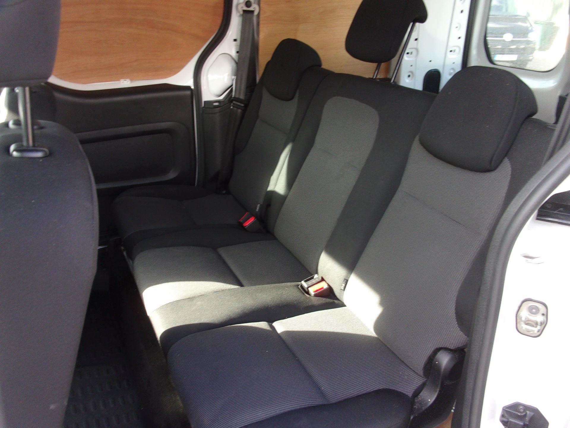 2017 Peugeot Partner 715 S 1.6 Bluehdi 100 Crew Van (NV17HJZ) Image 21
