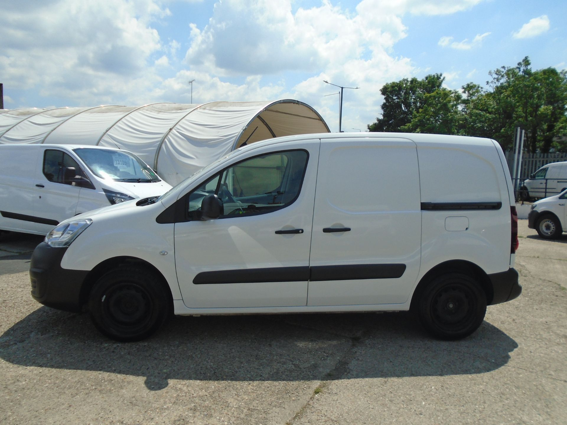 2017 Peugeot Partner 850 1.6 Bluehdi 100 Professional Van [Non Ss] *SPEED LIMITED 70MPH* (NV17HKN) Image 7