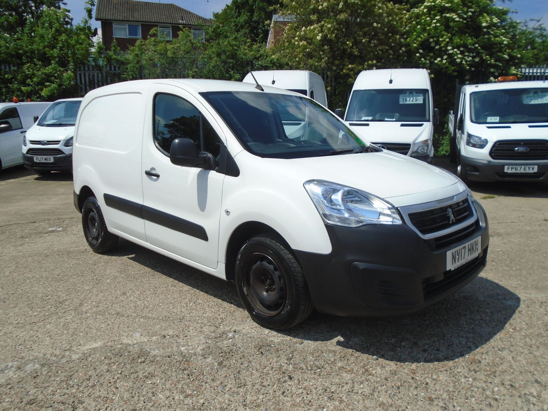 2017 Peugeot Partner 850 1.6 Bluehdi 100 Professional Van [Non Ss] *SPEED LIMITED 70MPH* (NV17HKN) Image 1