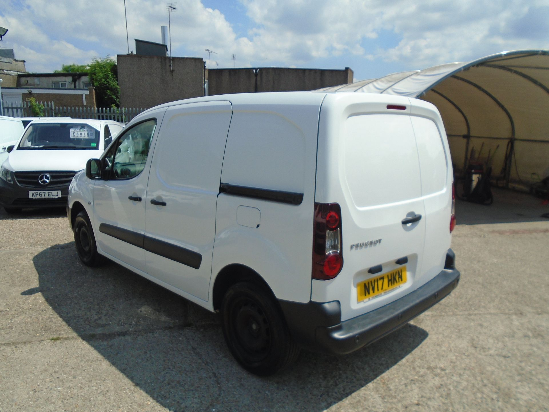 2017 Peugeot Partner 850 1.6 Bluehdi 100 Professional Van [Non Ss] *SPEED LIMITED 70MPH* (NV17HKN) Image 4