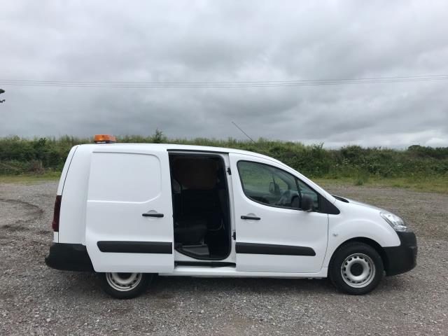 2017 Peugeot Partner  L2 715 S 1.6 BLUEHDI 100 CREW VAN EURO 6 (NV17HKT) Image 8