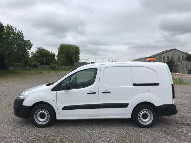 2017 Peugeot Partner  L2 715 S 1.6 BLUEHDI 100 CREW VAN EURO 6 (NV17HKT) Image 9