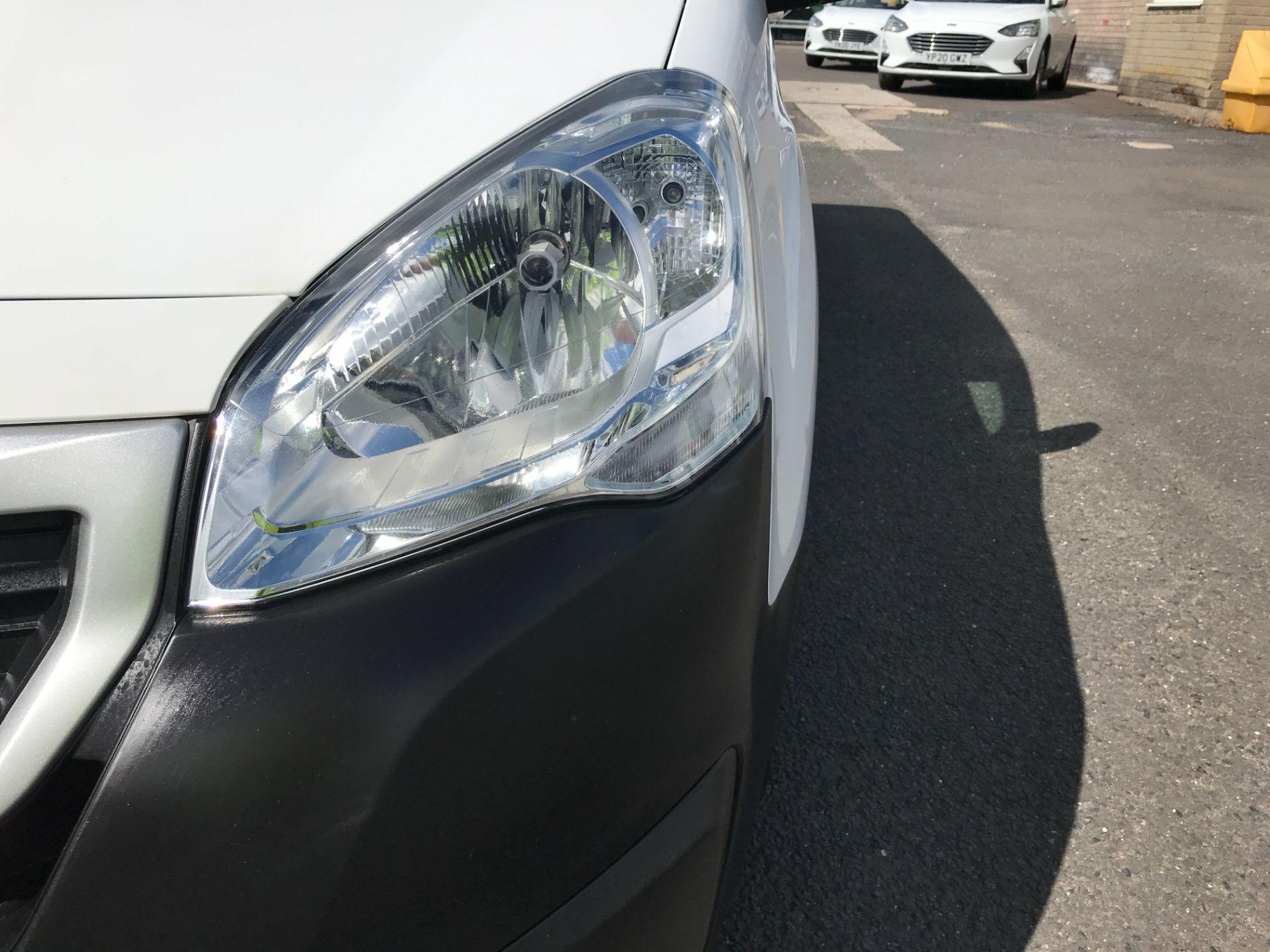 2017 Peugeot Partner L2 715 S 1.6BLUEHDI 100PS CREW VAN EURO 6 (NV17HLG) Image 22