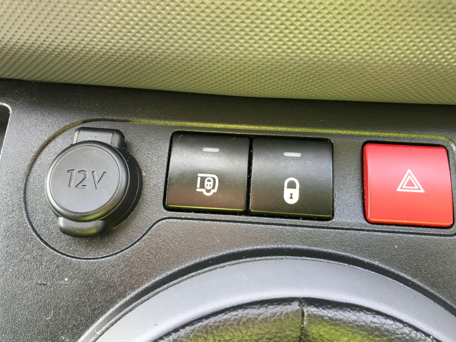 2017 Peugeot Partner L2 715 S 1.6BLUEHDI 100PS CREW VAN EURO 6 (NV17HLG) Image 27