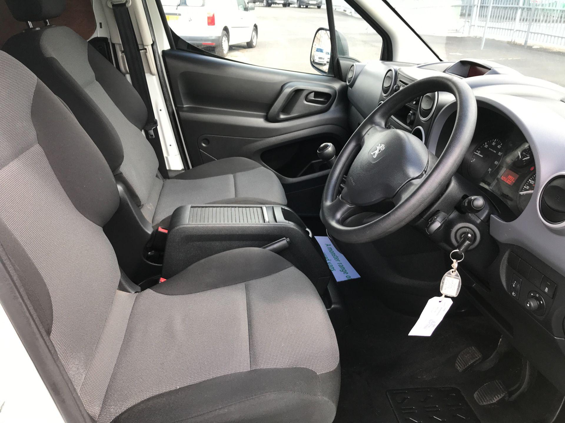 2017 Peugeot Partner L2 715 S 1.6BLUEHDI 100PS CREW VAN EURO 6 (NV17HLG) Image 9