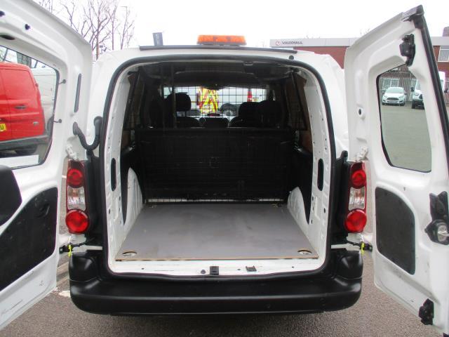 2017 Peugeot Partner  L2 715 S 1.6 BLUEHDI 100 CREW VAN EURO 6 (NV17HLO) Image 19