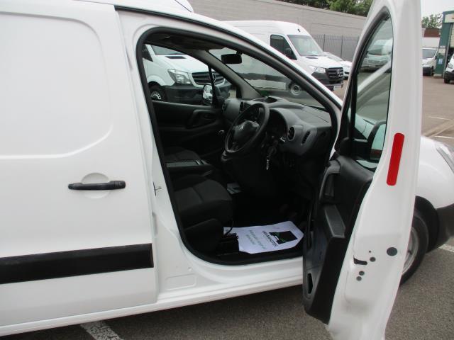 2017 Peugeot Partner  L2 715 S 1.6 BLUEHDI 100 CREW VAN EURO 6 (NV17HYS) Image 9