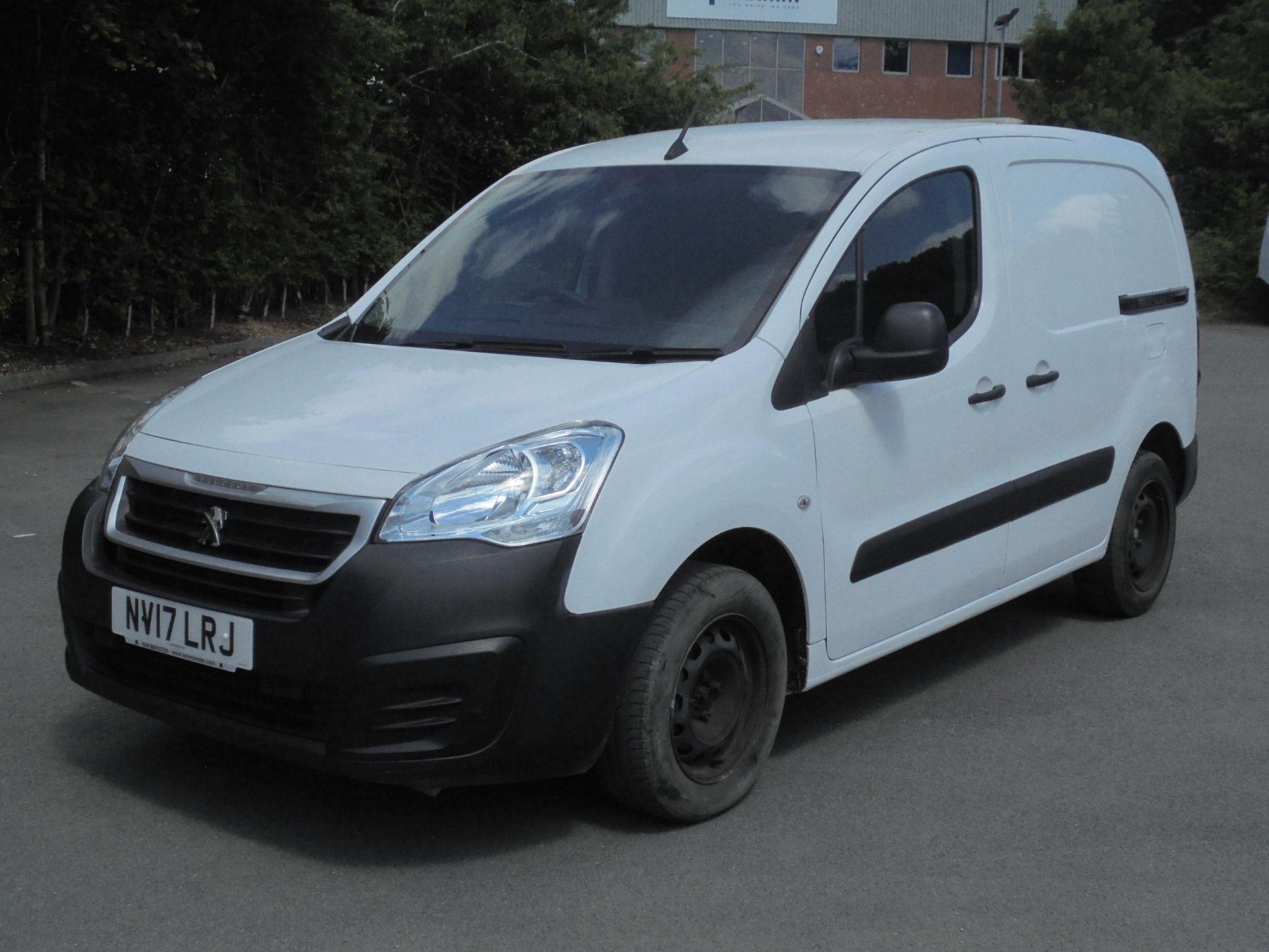 2017 Peugeot Partner 850 1.6 Bluehdi 100 Professional Van [Non Ss] (NV17LRJ) Image 3