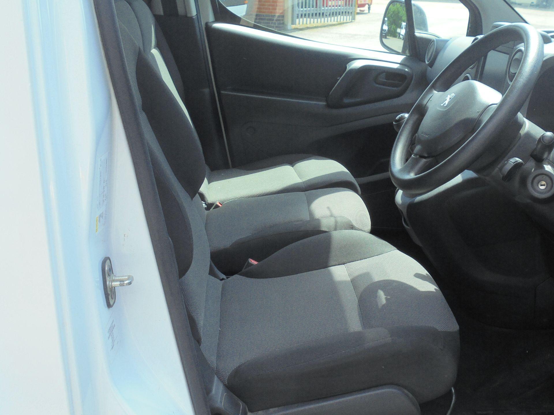 2017 Peugeot Partner 850 1.6 Bluehdi 100 Professional Van [Non Ss] (NV17LRJ) Image 12