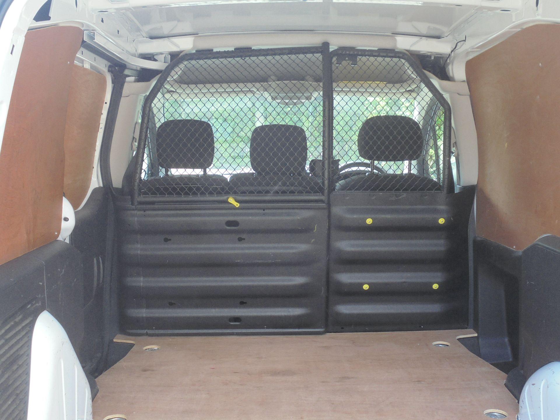 2017 Peugeot Partner 850 1.6 Bluehdi 100 Professional Van [Non Ss] (NV17LRJ) Image 10