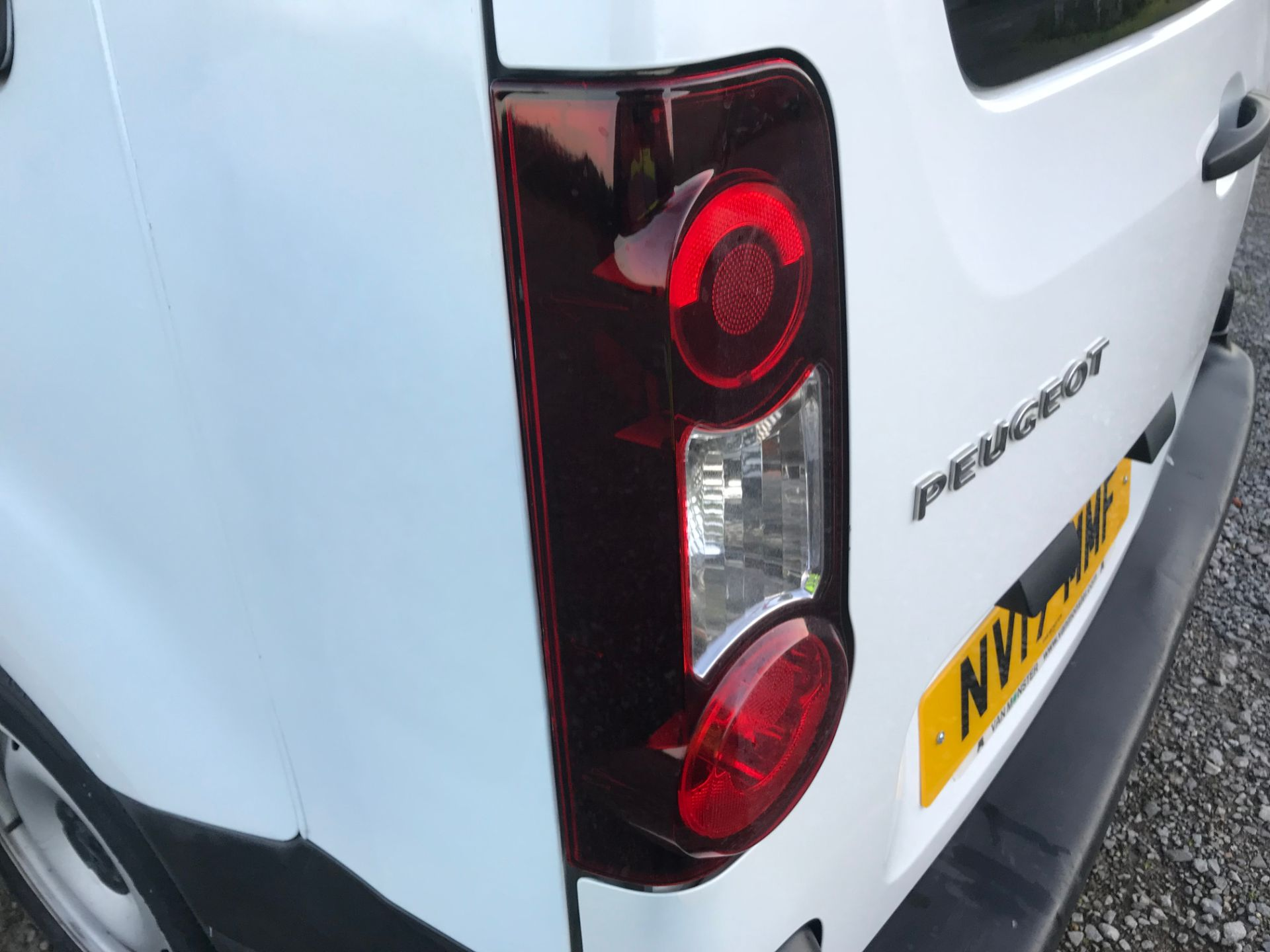 2017 Peugeot Partner 715 S 1.6 Bluehdi 100 Crew Van Euro 6 (NV17MMF) Image 47