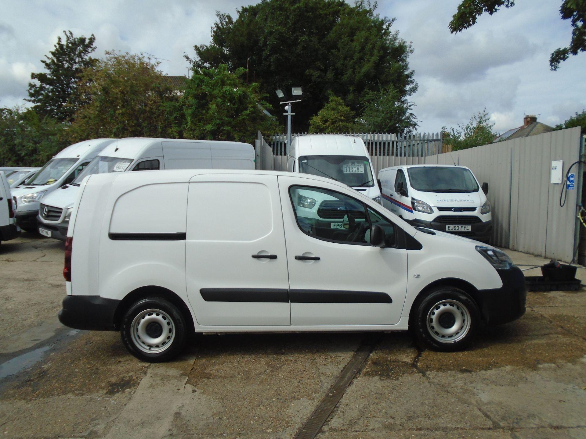 2017 Peugeot Partner 715 S 1.6 Bluehdi 100 Crew Van (NV17MSO) Image 8