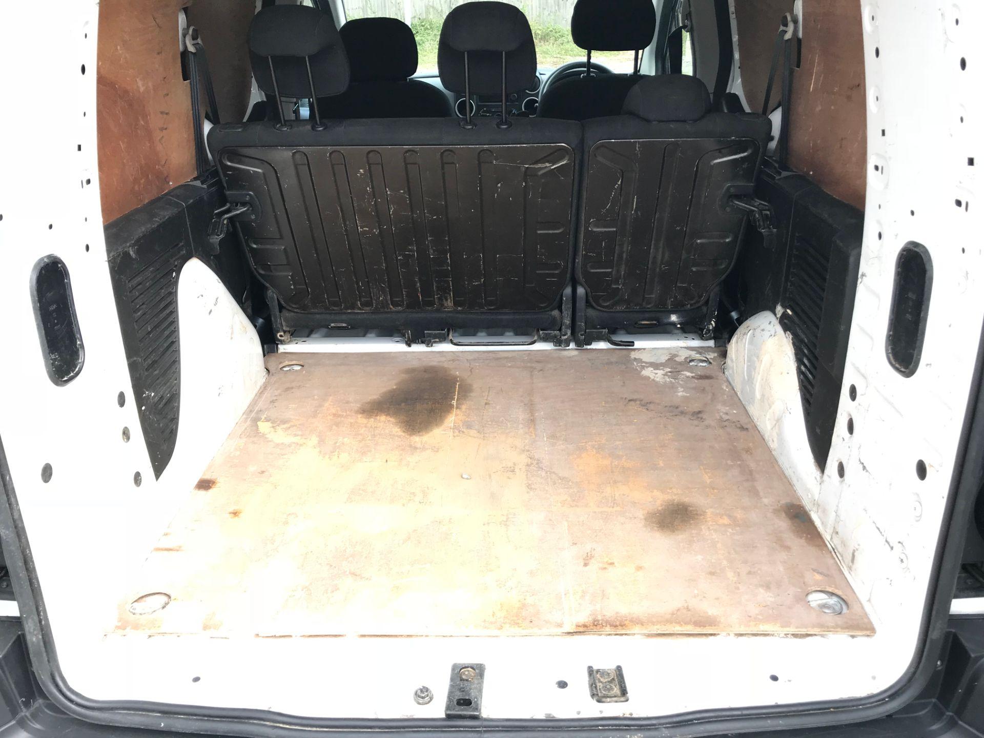 2017 Peugeot Partner 715 S 1.6 Bluehdi 100 Crew Van (NV17MUU) Image 12