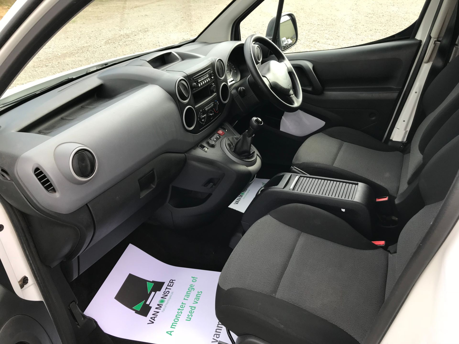 2017 Peugeot Partner 715 S 1.6 Bluehdi 100 Crew Van (NV17MUU) Image 22