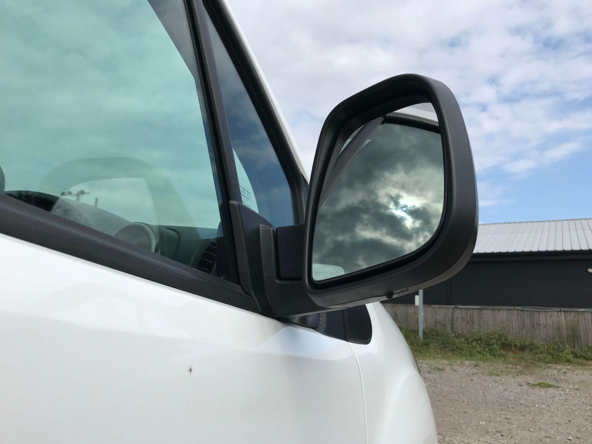 2017 Peugeot Partner 715 S 1.6 Bluehdi 100 Crew Van (NV17MUU) Image 13