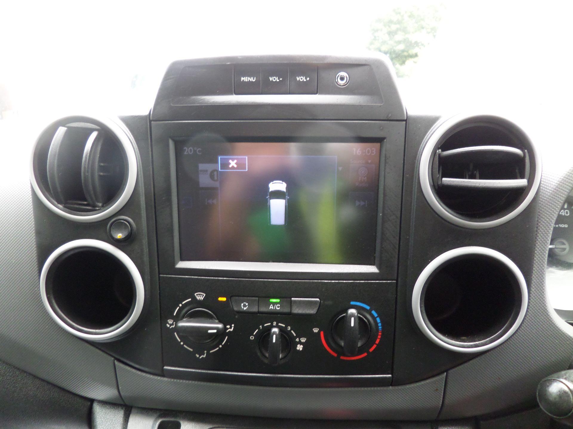 2017 Peugeot Partner 850 1.6 Bluehdi 100 Professional Van [Non Ss] Euuro 6 (NV17MVP) Image 12