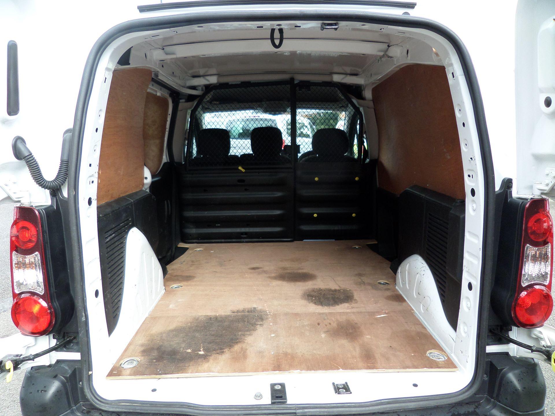 2017 Peugeot Partner 850 1.6 Bluehdi 100 Professional Van [Non Ss] Euuro 6 (NV17MVP) Image 5