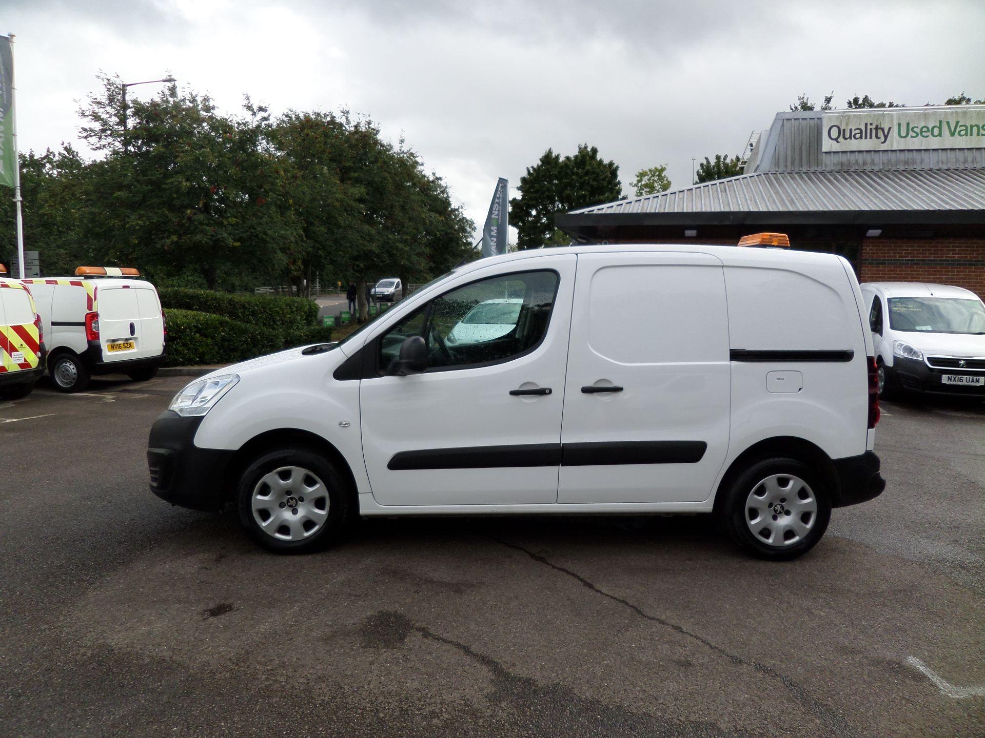 2017 Peugeot Partner 850 1.6 Bluehdi 100 Professional Van [Non Ss] Euuro 6 (NV17MVP) Image 6
