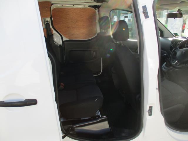 2017 Peugeot Partner 715 S 1.6 Bluehdi 100 Crew Van (NV17NRL) Image 10