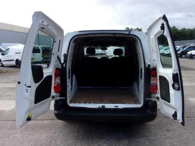 2017 Peugeot Partner L2 715 S 1.6 HDI 100PS CREW VAN EURO 6  (NV17NTJ) Image 17