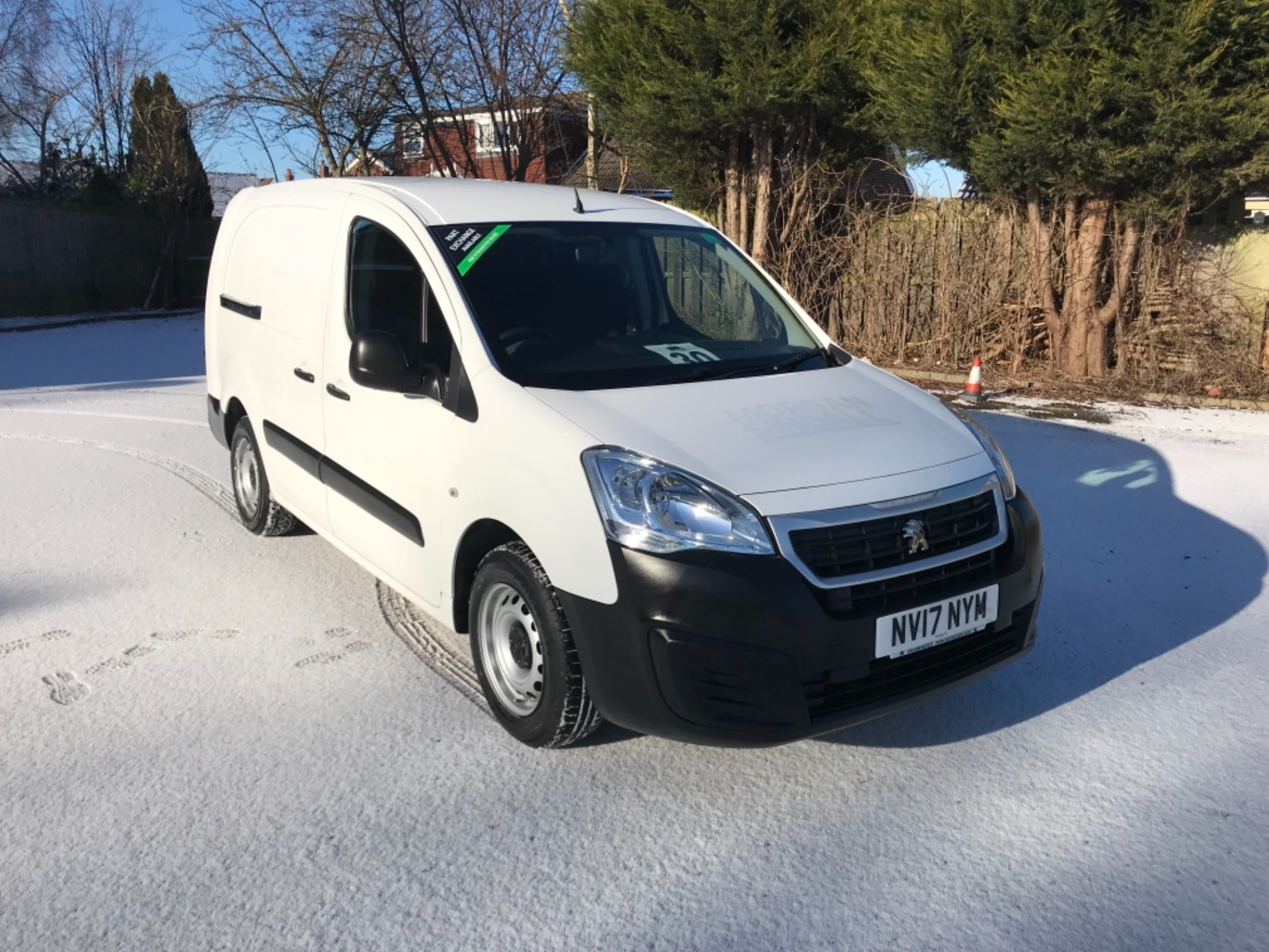 2017 Peugeot Partner L2 715 S 1.6 Bluehdi 100 Crew Van Euro 6  *70 MPH SPEED RESTRICTED (NV17NYM) Image 1
