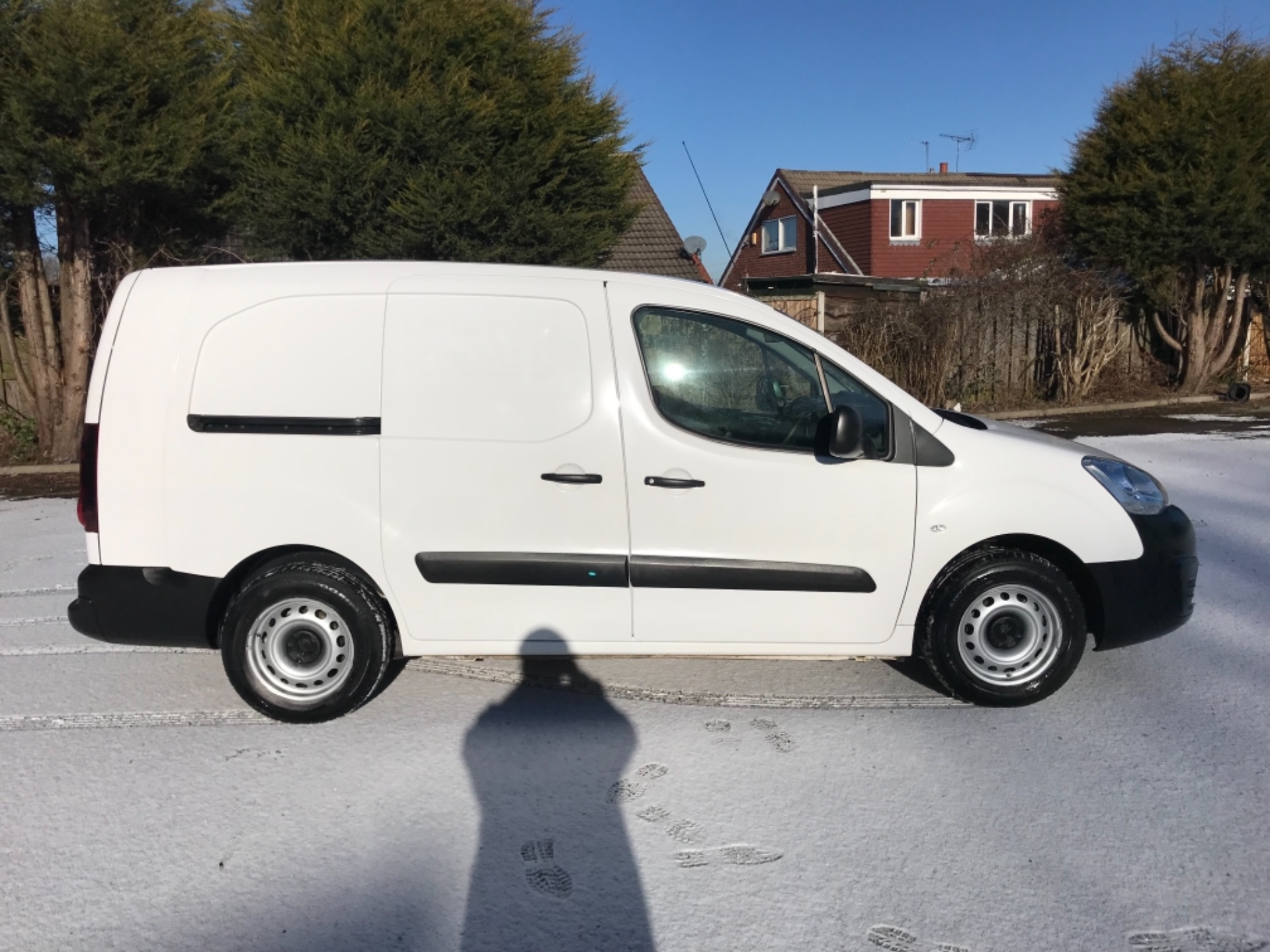 2017 Peugeot Partner L2 715 S 1.6 Bluehdi 100 Crew Van Euro 6  *70 MPH SPEED RESTRICTED (NV17NYM) Image 8