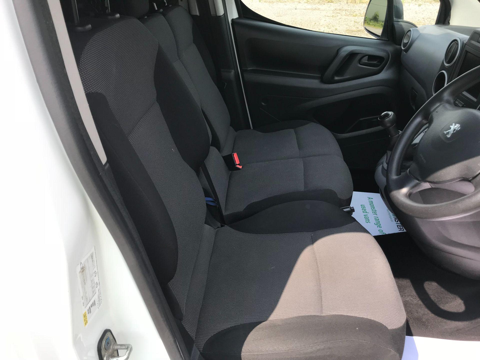2017 Peugeot Partner 850 1.6 Bluehdi 100 Professional Van [Non Ss] EURO 6 (NV17NZE) Image 22