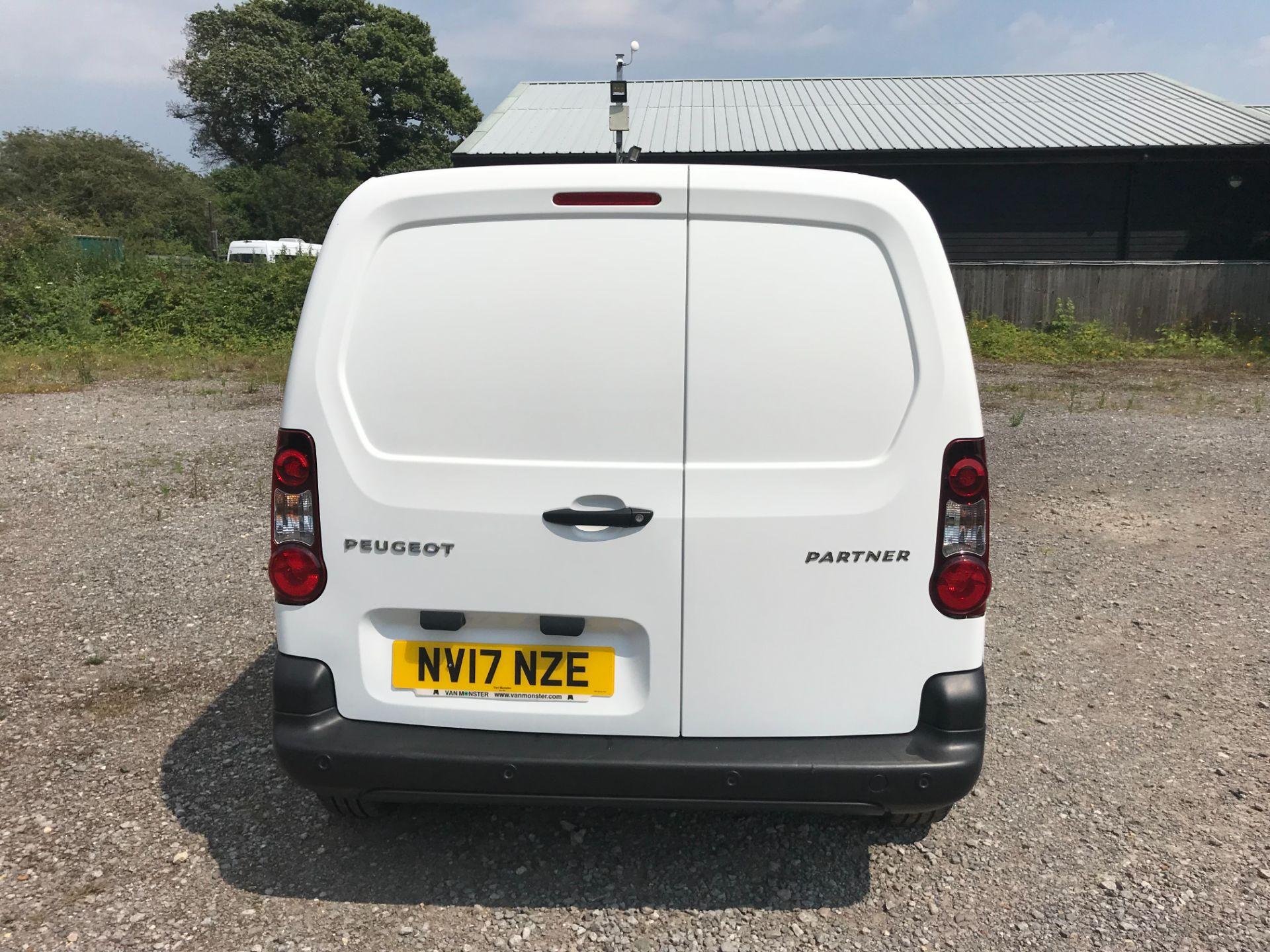 2017 Peugeot Partner 850 1.6 Bluehdi 100 Professional Van [Non Ss] EURO 6 (NV17NZE) Image 5