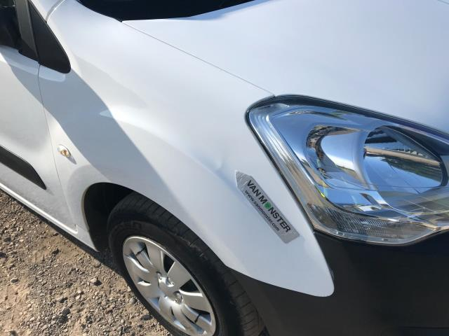 2017 Peugeot Partner 850 1.6 Bluehdi 100 Professional Van [Non Ss] EURO 6 (NV17OED) Image 37