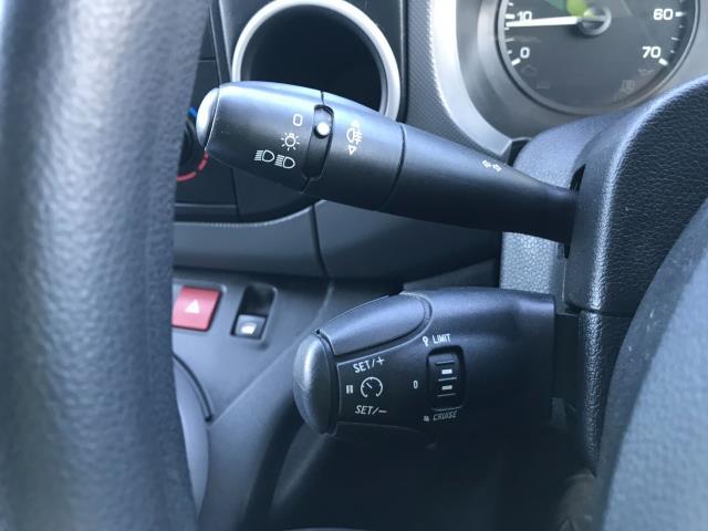 2017 Peugeot Partner 850 1.6 Bluehdi 100 Professional Van [Non Ss] EURO 6 (NV17OED) Image 31