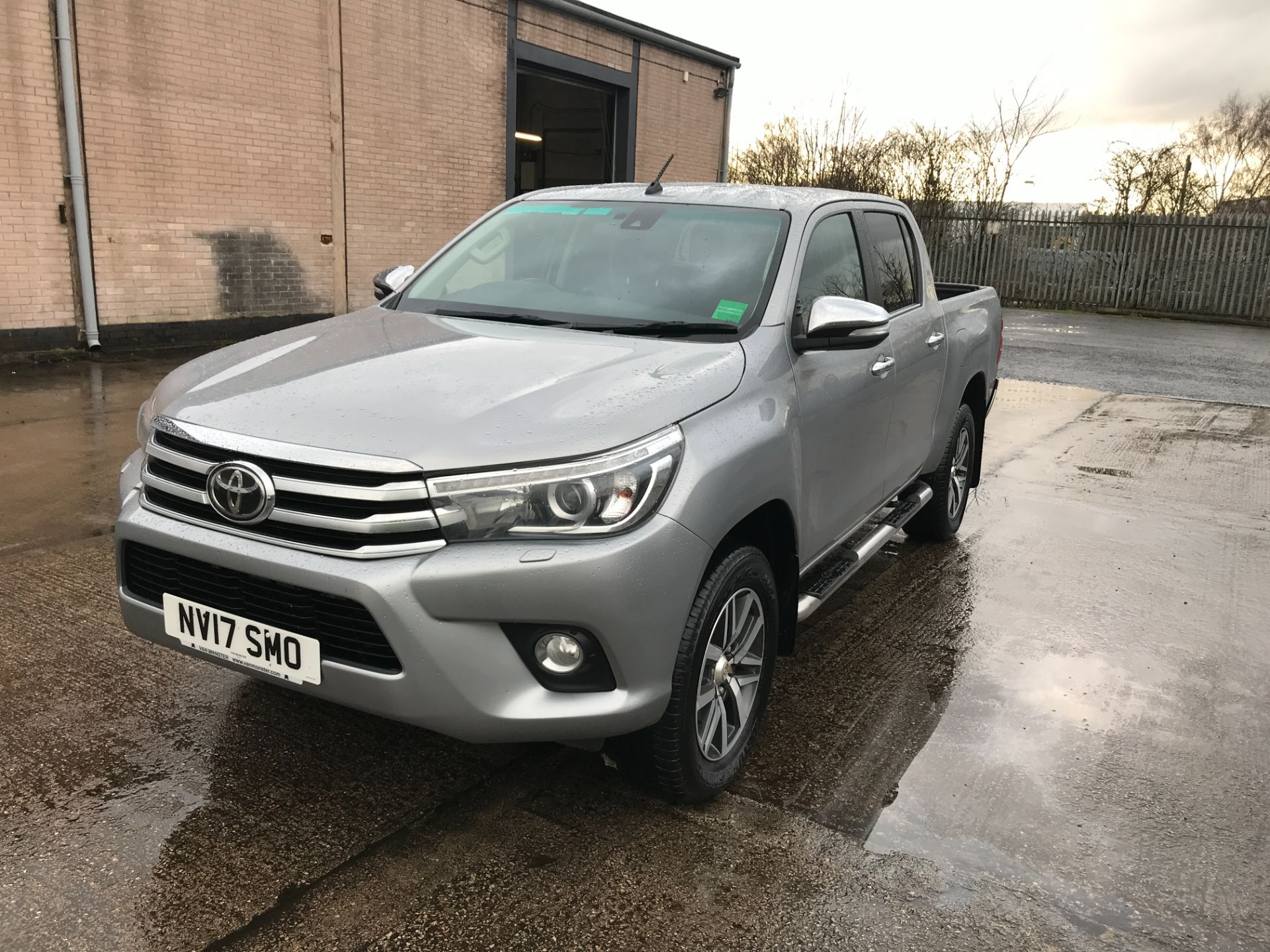 2017 Toyota Hilux  DOUBLE CAB 3.0D4D 4X4 171PS INVINCIBLE EURO 5 (NV17SMO) Image 13