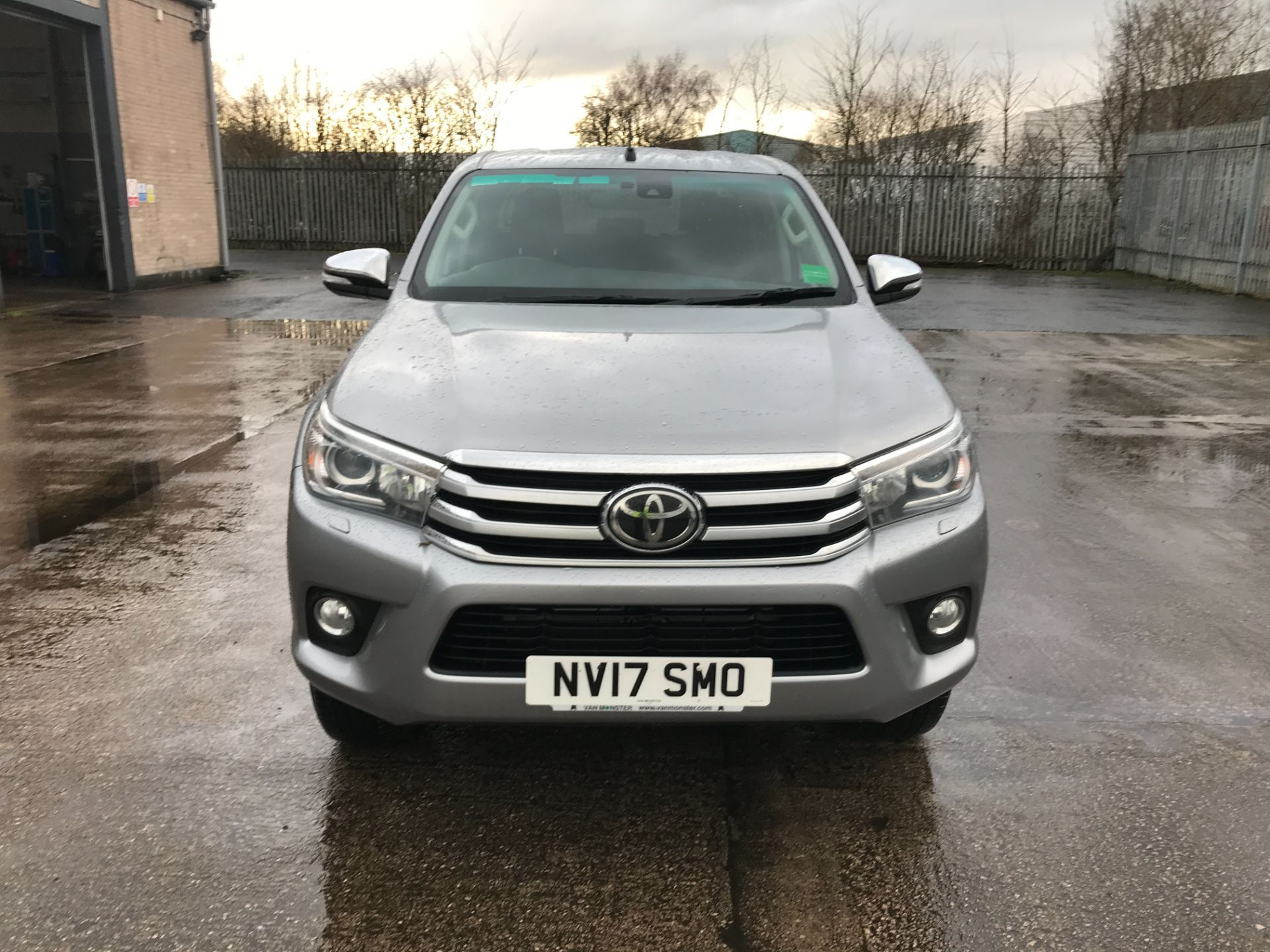 2017 Toyota Hilux  DOUBLE CAB 3.0D4D 4X4 171PS INVINCIBLE EURO 5 (NV17SMO) Image 14